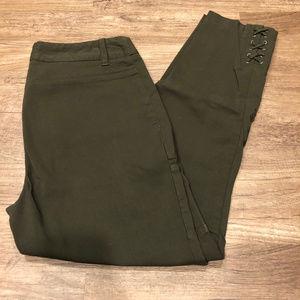 dark olive green Style & Co Slim Crop pants size 4